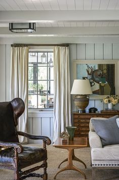 Favorites for Friday It's not the room itself, it is the combination of subtle colors - the cream, beige and blue. 50 Favorites for FridayIt's not the room itself, it is the combination of subtle colors - the cream, beige and blue. 50 Favorites for Friday Coastal Living Rooms, Living Room Interior, Living Room Decor, Living Spaces, Coastal Interior, Interior Colors, Cottage Living, Coastal Cottage, Country Living