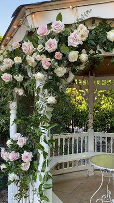 Outdoor Wedding Gazebo, Gazebo Wedding Decorations, Outdoor Ceremony, Flower Decorations, Decor Wedding, Wedding Ceremony Flowers, Floral Wedding, Wedding Videos, Conservatories