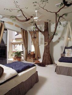 bild an der wand and am dachboden- baum und eine treppe   wohnidee ... - Kinderzimmer Ideen Baum