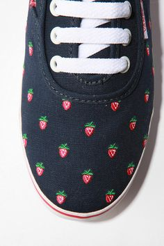 i need these strawberry sneakers by vans in my life. (This link goes nowhere, btw. Every site I could find was sold out. BOO!)