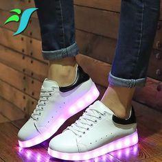 5513c0f78a5 74 meilleures images du tableau Chaussures lumineuses