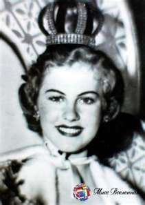 Armi Helena Kuusela Miss Universe the Miss Universe pageant, was held on June 1952 at the Long Beach Municipal Auditorium in Long Beach, California, USA. Miss Universe Crown, Miss Usa, Miss World, Beautiful Inside And Out, Old Hollywood Glamour, Beauty Pageant, Amazing Adventures, Beauty Queens, Philippines