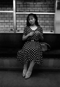 Keiko on Subway, Tokyo, 1979 | © Greg Girard/Courtesy Kominek Gallery