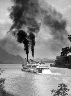 Not worried about pollution Steam Boats, My Fantasy World, Paddle Boat, British History, American History, Canal Boat, Ohio River, Old Photos, Vintage Photos