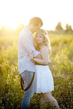 Cool engagement / couples / boyfriend / girlfriend / spouses / married photo