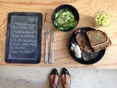 Menu du jour 09/09 - Salade de concombre bio + persil plat - Tartare avocat + huile de noisette - Aubergines grillées + ricotta de Bufflonne de chez PAISANO - Pain des Gault