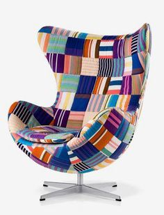 Vejam que lindas esses móveis forrados em patchwork criados pelo  Bazar Bubballoo .