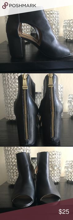 Open toe bootie heels Cute open toe bootie heels with a gorgeous gold zipper detailing on the heel  Only worn once Report Signature Shoes Heels