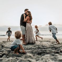 Family Vacation Games For Kids Vacation San Diego Bucket Lists Large Family Photos, Family Picture Poses, Family Picture Outfits, Family Beach Pictures, Family Photo Sessions, Family Posing, Family Portraits, Family Pics, Family Beach Session
