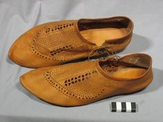 reconstruction of medieval shoes. lovely work.