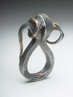 Gloria Carlos- Forged Ring – forged iron and 22ct gold – 2010