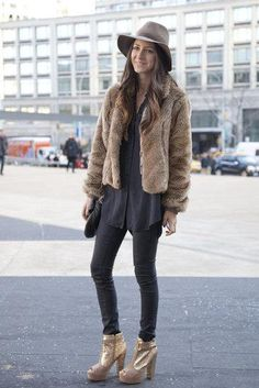Make fur look chic and casual. Pair it with a day hat.