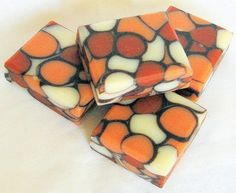 This month's Great Cakes Soap Challenge was the dancing funnel swirl technique…