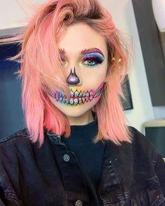 Halloween makeup - People lol - Make up Creepy Halloween Makeup, Halloween Eyes, Fete Halloween, Halloween Nail Designs, Halloween Nails, Creepy Makeup, Amazing Halloween Makeup, Pretty Halloween, Halloween 2019