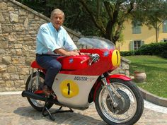 Giacomo Agostini su MV Agusta