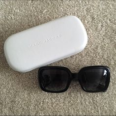 Marc Jacobs sunglasses Black rectangle gradient lens sunglasses. 100% UV protection. 53mm. Gently worn. One tiny scratch on the frame above right lens. Otherwise, great condition. Case included. Model MJ443S. Authentic. Marc Jacobs Accessories Sunglasses