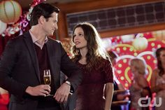 """Sweetie Pies and Sweaty Palms"" - Pictured (L-R): Wes Brown as Dr. Judson Lyons and Rachel Bilson as Dr. Zoe Hart in HART OF DIXIE on THE CW. Photo: Adam Rose/The CW �2011 The CW Network. All Rights Reserved.pn"