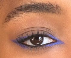 Colored Eyeliner Looks: Ways To Style Them - The Urban Guide Edgy Makeup, Makeup Eye Looks, Eye Makeup Art, No Eyeliner Makeup, Cute Makeup, Pretty Makeup, Skin Makeup, Makeup Inspo, Makeup Inspiration
