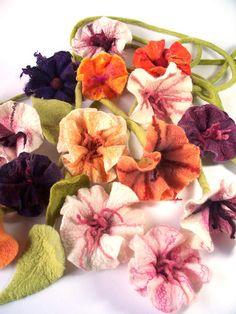 felted flowers... mmm.