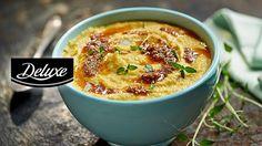 Przepis na kremową zupę z pieczonego kalafiora i czosnku, z dodatkiem marchewki i truflowego pesto – coś dla miłośników zup-kremów!