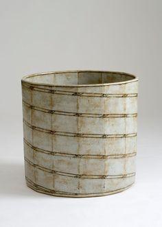 Gertrud Vasegaard(1913-2007).Basin. 1983. Wheel-thrown and altered, glazed stoneware.