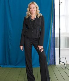 Dress for Your Shape: The Rectangle   How to find the most flattering clothes for your body type.