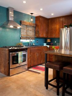HGTV has inspirational pictures, ideas and expert tips on creative ways to paint kitchen cabinets.
