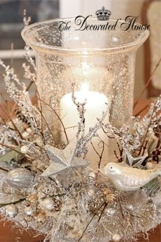White & Silver Christmas Centerpiece Idea - so beautiful and wintery by lelia