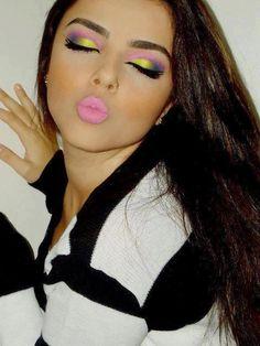 Loving her eye make up Pretty Makeup, Love Makeup, Makeup Tips, Beauty Makeup, Makeup Looks, Hair Makeup, Hair Beauty, Bright Makeup, Colorful Makeup