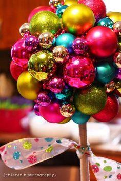 Topiaria com bolas de natal