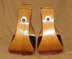 Oak-Wood-Bell-Stirrups-Horse-Saddle-Stirrups-5-1-4-Wide-4-Tread-New-Horse-Tack