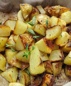 Recipe for Roasted Greek Potatoes - Make your potatoes more exciting by adding a little Greek flair to them. Potato Dishes, Potato Recipes, Chicken Recipes, Greek Meze, Greek Potatoes, Cook Potatoes, Roasted Potatoes, Cypriot Food, Greek Dinners