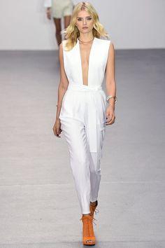 Issa Spring 2016 Ready-to-Wear Fashion Show. Printemps 2016 prêt-à-porter #mode #fashion