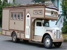 1951 Federal Housetruck Motorhome Conversion For Sale Tiny Trailers, Vintage Campers Trailers, Camper Trailers, Travel Trailers, Mini Camper, Camper Caravan, Truck Camper, Truck House, Cool Rvs