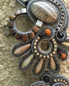 Winter is the inspiration to Winona collection #doricsengeri #winterfashion #jewelry #accessories #design #inspiration #bracelets #metalflower #grey #jewelrygram #flowers #fashionista #statmentjewelry