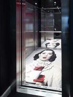 Ege Carpets – Le Clervaux Boutique & Design Hotel Floor of the elevator + reflection. Can be an interesting pattern instead. Design Hotel, Lobby Design, Restaurant Design, Lift Design, Deco Design, Commercial Design, Commercial Interiors, Elevator Design, Elevator