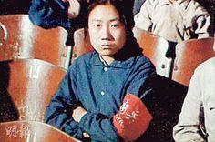 安東尼奧尼紀錄片《中國》_4  為什麽總不能放開胸襟、豁達大度?  「 這就回到「為誰研究中國」以及「什麼才是中國研究」的古老命題。作為學術自由的彰顯,研究江青對中共何以文革年代變得狂熱有助,同樣,研究中共派系政治也有助理順大躍進左傾盲動何以全國通行事後沒有追究處罰。况且隔洋研究中國問題,有研究結果上的差別不出奇,等於毛年代的「敵人一天一天爛下去」未見出現,同樣有落差。可是一旦以七十年代「為誰研究中國」框架看問題,西方對中國的研究都極為容易跌入安東尼奧尼《中國》的窠臼:沒有宣傳中共正面形象;中共的反彈則如一九七四年人民出版社的反安東尼奧尼文章匯集書名一樣﹕《中國人民不可侮——批判安東尼奧尼反華影片「中國」》。儘管後來中共解說江青藉事件向周恩來施壓,是中共宮廷政治的折射云云,然而陰暗的鬥爭始終令人不快。」   http://www.pentoy.hk/%e5%9c%8b%e9%9a%9b/k36/2015/03/30/%e4%b8%ad%e5%9c%8b%e9%80%9a/
