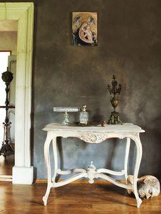 Interior design, painting on wood, dipinto nel legno, malarstwo na desce, wystrój wnętrz www.szarobialo.pl