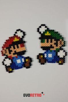 Perler Bead Mario, Perler Bead Disney, Diy Perler Beads, Pearler Bead Patterns, Perler Patterns, Quilt Patterns, Pixel Beads, Fuse Beads, Mario Und Luigi