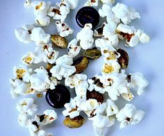 Popcorn with Junior Mints and Pistaschios