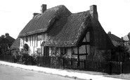 thatched cottage in Bletchley Shadows, Amber, Cottage, Carving, House Styles, Home Decor, Darkness, Decoration Home, Room Decor