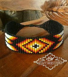 Seed Bead Patterns, Beading Patterns, Bead Loom Designs, Bead Loom Bracelets, Native American Beadwork, Loom Beading, Bead Crafts, Beaded Jewelry, Creations