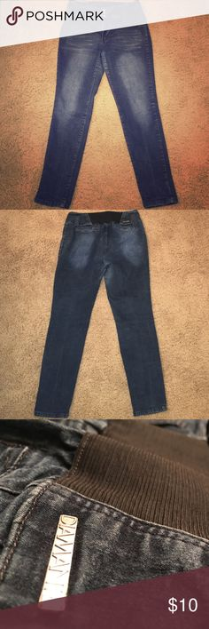 👖Diamante High Waist Stretch Jeans *Used* pair of Diamante high waisted stretch jeans with 3-button & zipper closure in a plus size 18. Very good condition. ✨BUNDLE+SAVE✨ Diamante Jeans Skinny