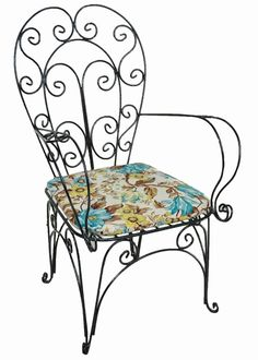 Cadeira em Ferro Florenzi - Preta Wood And Metal, Metal Art, Porch Gazebo, Metal Furniture, Outdoor Furniture, Outdoor Chairs, Outdoor Decor, Scroll Design, Porch Decorating