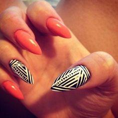 Tribal/Geometric accent nails - b