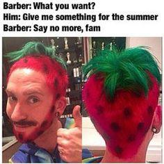 THAT'S a bad hair day! Barber Memes, Terrible Haircuts, Haircut Fails, Wacky Hair, Strawberry Hair, Strawberry Shortcake, Shaved Hair Designs, Crazy Hair Days, Hair Color Dark