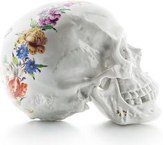 Memento Mori skull with Cumberland motive. Skull Decor, Skull Art, Art Decor, Memento Mori, Floral Skull, Creative Journal, Vanitas, Skull And Bones, Art Plastique