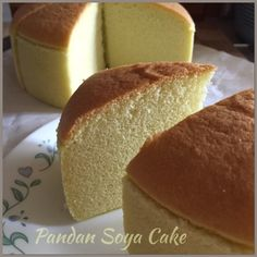 Pandan Soya Sponge Cake (Cooked Dough Method) 烫面香兰豆浆蛋糕 // 40 g coconut or vegetable oil, 50 g top or cake flour, 40 g lightly sweetened soya milk or milk, 10 g pandan juice, 3 egg yolks, 1 egg, 1/8 tsp salt, 3 egg whites, 40 g sugar