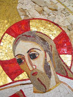 Visage du Christ - Eglise de Saint- Martin - Fonds baptismaux - Italie - Décembre 2005