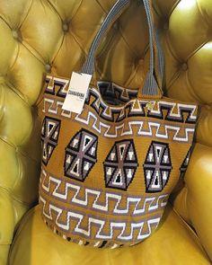 Wayuu xl Hand-knitted on Crochet tote bag by decenario on Etsy